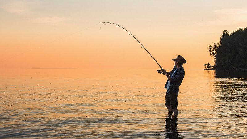 为了重新获得幸福,你唯一应该放弃的东西(一个渔夫和一个银行家)